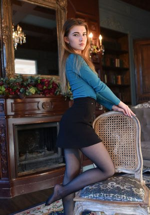 young Img model pantyhose