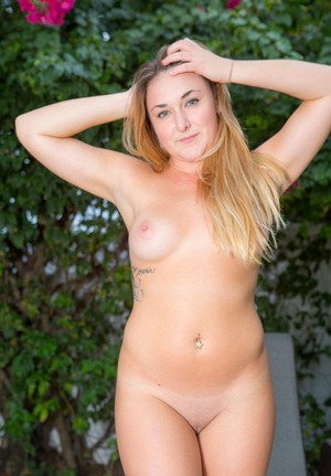 First timer Lennox James shows her great ass outdoors on a lounge chair