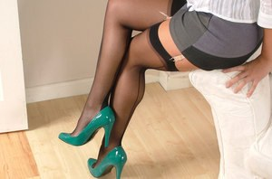 Hot chick in gorgeous turquoise high heels flaunting sexy feet in stockings