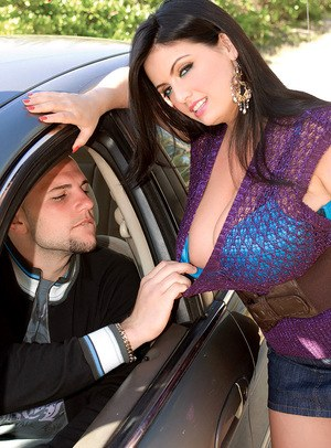 Hitchhiking sexy fatty Arianna Sinn trades a big titjob for a ride into town