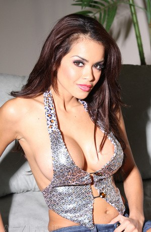 Famous Latina with a great pair of tits Daisy Marie touches herself