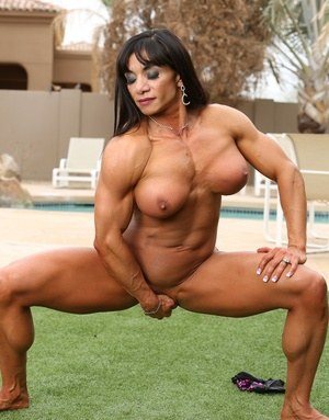 Naked female bodybuilder licking cock — img 6