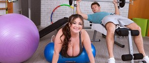 Obese chick Nila Mason fucks her personal trainer instead of working out