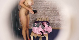 Amateur MILF Sapphire undresses and toys her delicious cunt at the locker room
