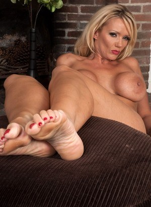 Free milf feet sex thumbnail galleries