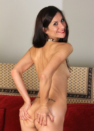 skinny mature naked