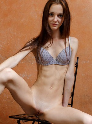 Very skinny girl Lapa removes her dress to bare her scrawny ass and pussy