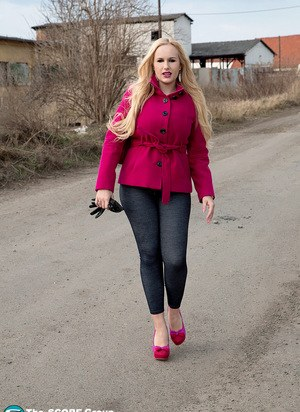 Thick blonde chick Angel Wicky gets picked up on the street and banged