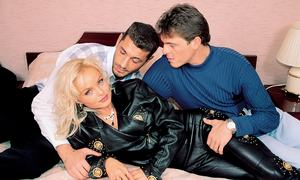 Famous pornstar Silvia Saint gets double fucked in black boots