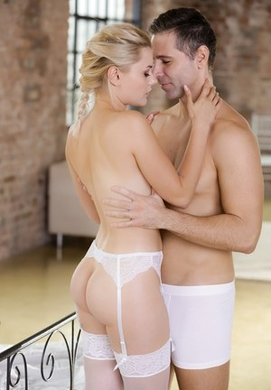 Beautiful blonde chick Scarlett Knight takes it up the ass in white nylons