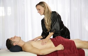 Blonde cougar Pristine Edge seduces her stepson over a relaxing massage