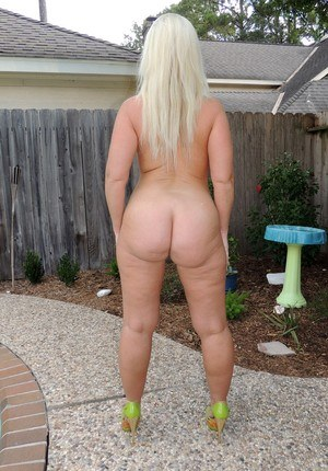 Fat wife Dee Siren touts her huge butt and big boobs by the backyard pool