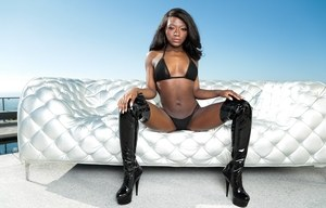 Incredible ebony babe Naomie Bilas gets a hard white dong up her dark asshole