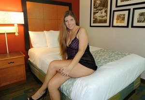 Amateur chick Kloe Joy cheats on her husband with another man in a motel room