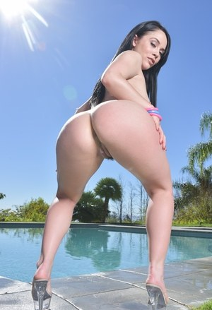 Bikini models Kristina Rose & Abella Danger flaunt their butts by a pool