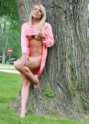Hot slut Madden in the yard flashing naked ass & underboob in pink sexy dress