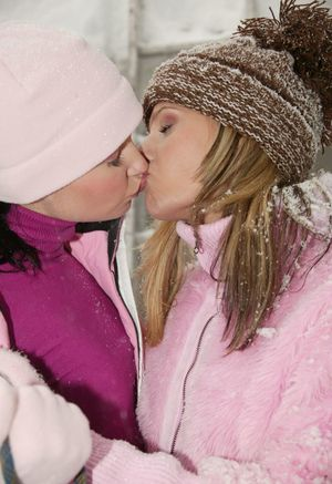 Teen hotties Zuzana Z and gf dildos twats and tongue kiss outside in the snow