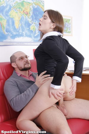 Sexy college girl flashes ass and leg while seducing her professor