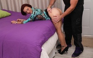 Skinny mature woman Stella Banks goes P2M with a younger man