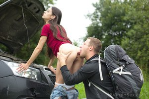 18 year old girl Arwen Gold loses her virginity after her car breaks down