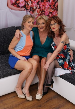 Mature housewives hookup for a lesbian threesome with hubbies out of town