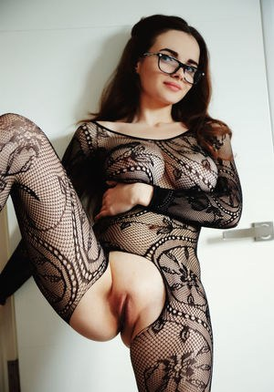 Nerdy girl Maible shows her shaved pussy in crotchless bodystocking