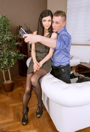 Over 30 woman Lina Arian insists on selfies before sexual intercourse