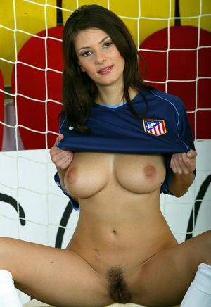 Brunette soccer keep sets her great boobs and trimmed bush free in goal