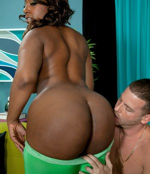 Black woman Layla Monroe has her huge butt exposed by a white boy