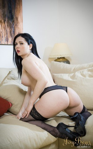 Hot MILF Angell Summers touts her sexy ass before changing hosiery to fuck