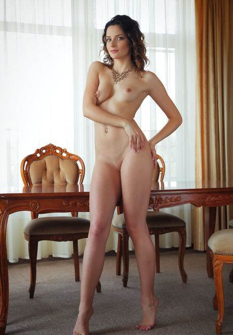 Teen babe Ardelia A flaunting small perky tits and and shaved pussy porno fotoğrafı #422381496