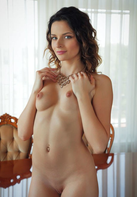 Teen babe Ardelia A flaunting small perky tits and and shaved pussy porno fotoğrafı #422381495