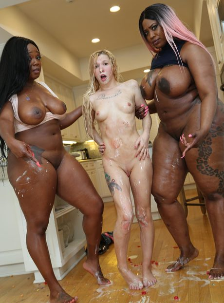 Threesome White Black Girl