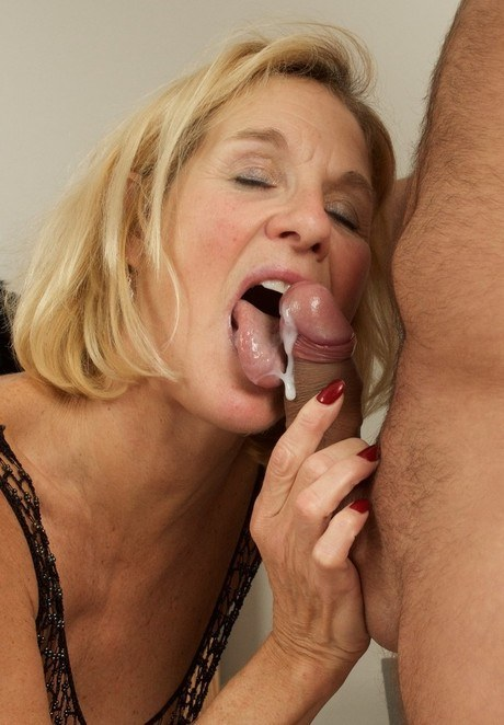 Mature Blonde Milf Creampie